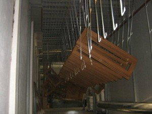 La verniciatura del legno a Padova si tinge di qualità artigianale.